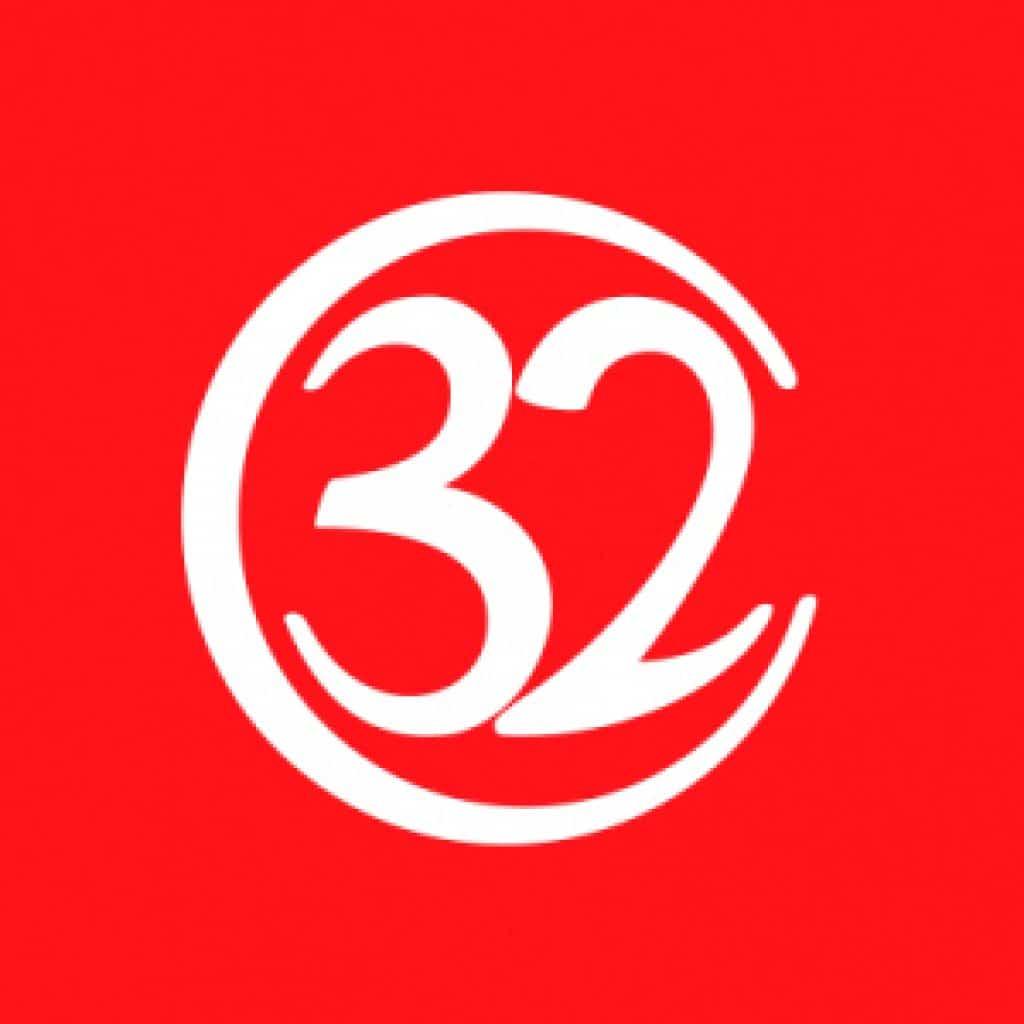 32レッド Logo